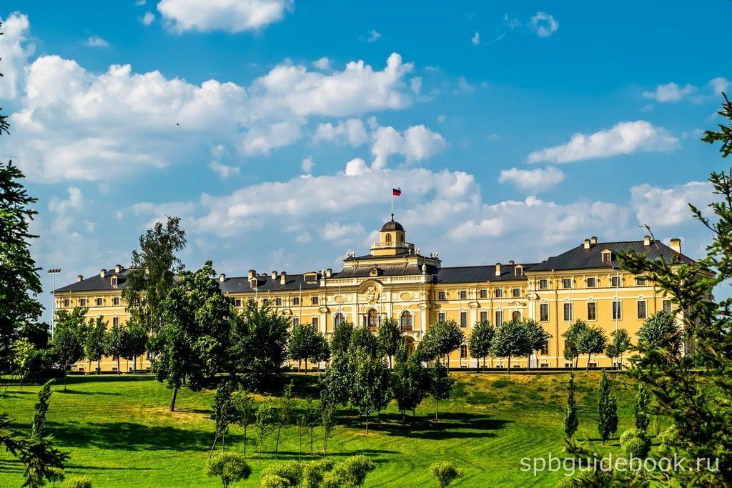Константиновский дворец. Вид со стороны Верхнего парка.