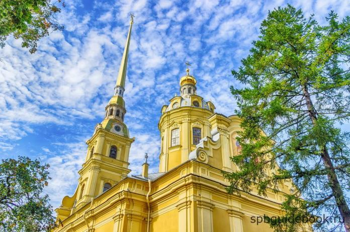 Фото Петропавловского собора в Петропавловской крепости. Санкт-Петербург.
