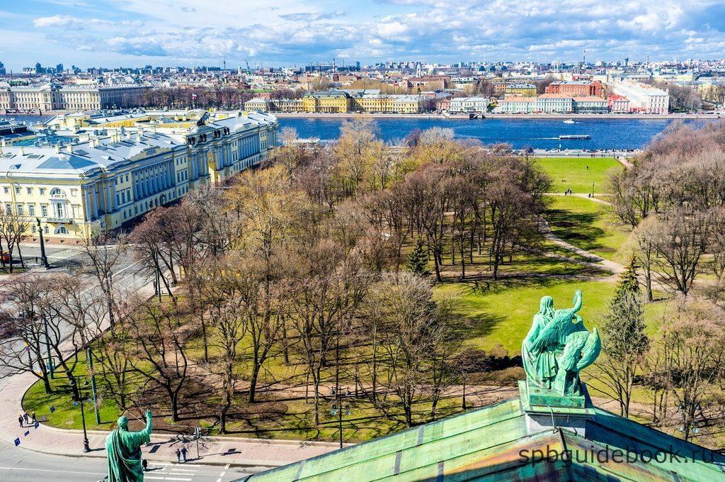 Вид Александровского сада с крыши Исаакиевского собора.