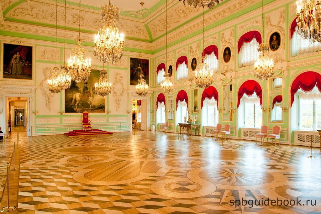 Фото интерьеров Большого Петергофского дворца.